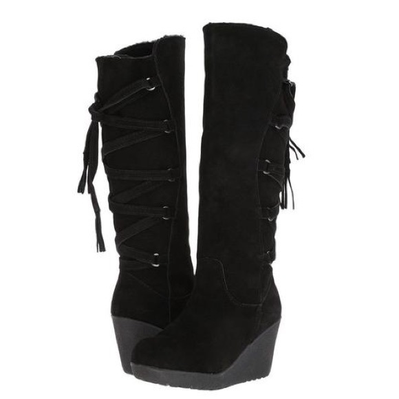 ff0e5fc8ef5 I ACCEPT OFFERS Bear Paw Brittney knee high boot